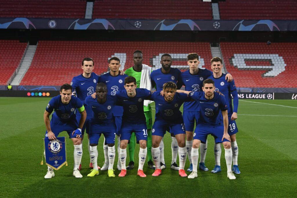 Foto do Chelsea em jogo contra o Porto