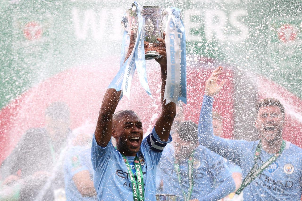 Manchester City vence Tottenham e é campeão da Copa da Liga Inglesa