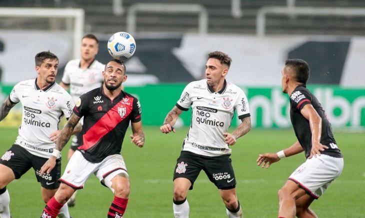 Corinthians perde em casa pro Atlético-GO e se complica em jogo de volta